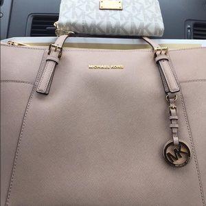 Michael Kors Accessories - Michael Kors purse & wAllet